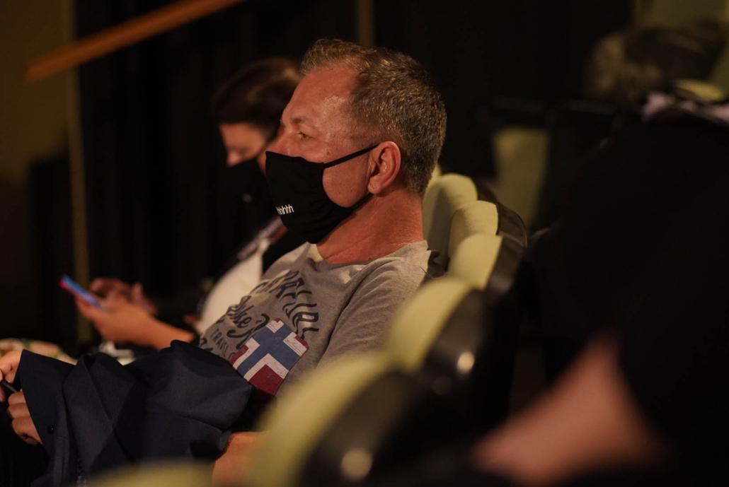 CINEMATHERAPY Πώς να εκπαιδεύσεις έναν αντιήρωα